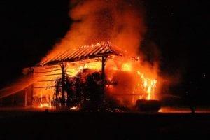 """Vor ca. einer Woche wurde dieses Objekt versucht anzuzünden - heute Nacht brannte die """"Kesen"""" vollständig ab!"""