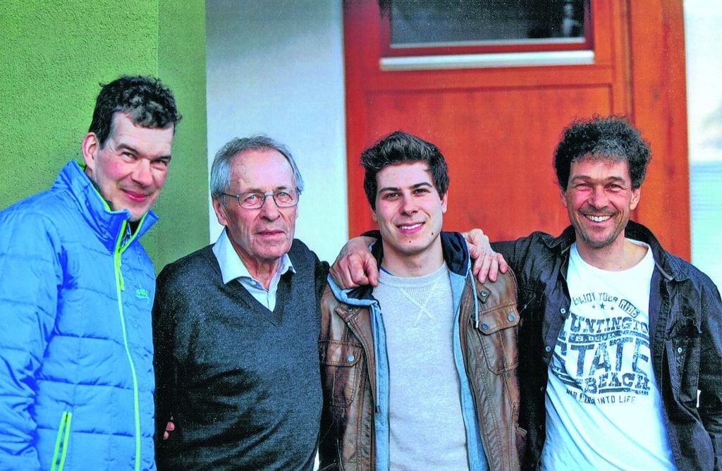(v.l.n.r.) Der jüngste Sohn Michael, Hans Brandstätter, Enkelsohn Philipp und Betriebsnachfolger Ing. Andreas Brandstätter
